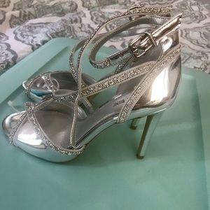 Gianni Bini open toe stiletto brand new size 7